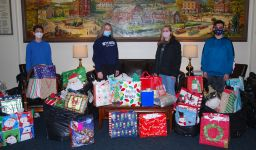 Lower School students donate gifts to Children and Youth